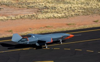 """UAS dubbed """"Loyal Wingman"""" gets first high-speed taxi test by Boeing, Royal Australian air force"""