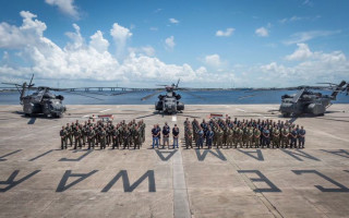 MH-53E helicopters and personnel after the successful AQS-24C trials held in Panama City, Florida. Photo courtesy of U.S. Navy.