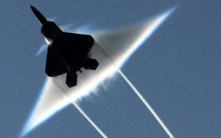Roundup: The F-22 - Innocent victim or ready for the axe?