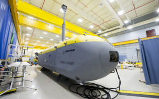 Unmanned undersea vehicle employs hybrid power system to operate for months