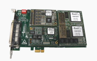 Multiprotocol interface for PCI Express-compatible systems