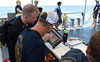 Navy divers now able to digitally track dives via new software application