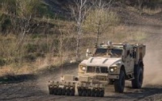 Oshkosh UGV tech featured at Xponential