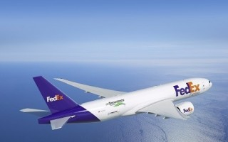 Boeing, FedEx Express team to test technologically updated freight plane