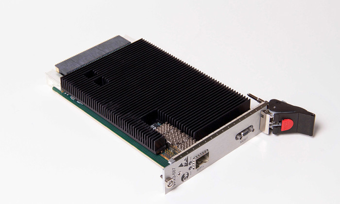 Figure 1 | Curtiss-Wright VPX3-687, a 10G/40G backplane Ethernet switch now available in a SOSA-aligned configuration.